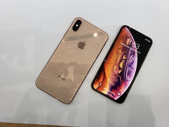 Anh thuc te iPhone XS va iPhone XS Max - dang cu, tinh nang moi hinh anh 8