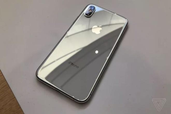Anh thuc te iPhone XS va iPhone XS Max - dang cu, tinh nang moi hinh anh 3