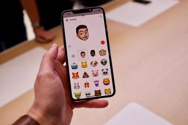 Anh thuc te iPhone XS va iPhone XS Max - dang cu, tinh nang moi hinh anh 6