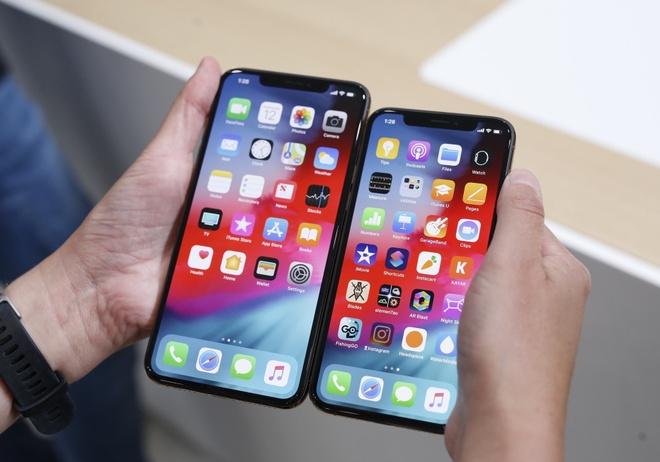 iPhone XS Max ban nhieu gap 4 lan iPhone XS hinh anh