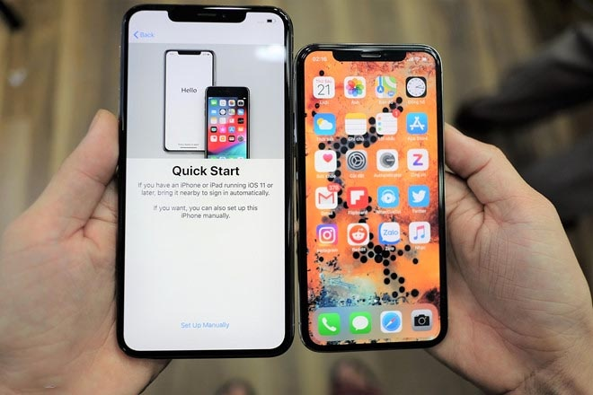 iPhone XS xach tay ha gia cham day van e am o VN hinh anh