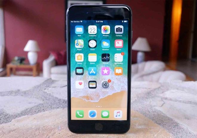 Apple ban iPhone 8, 8 Plus hang tan trang gia tu 449 USD hinh anh