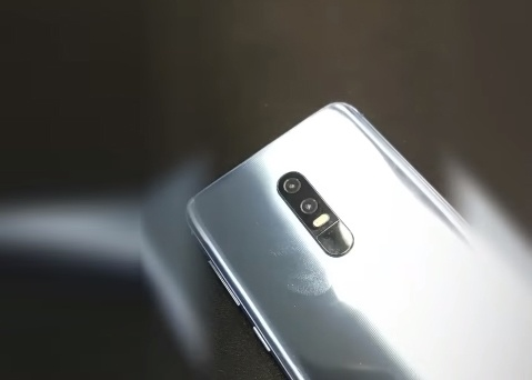 Zenfone 6 man hinh 'not ruoi' lo dien hinh anh 5