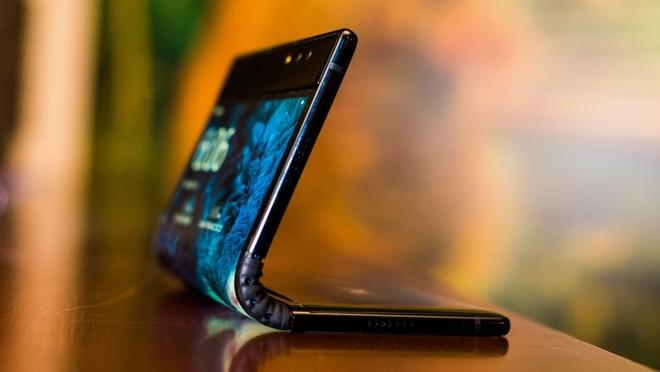 Smartphone man hinh gap dau tien vua ra mat hinh anh 5