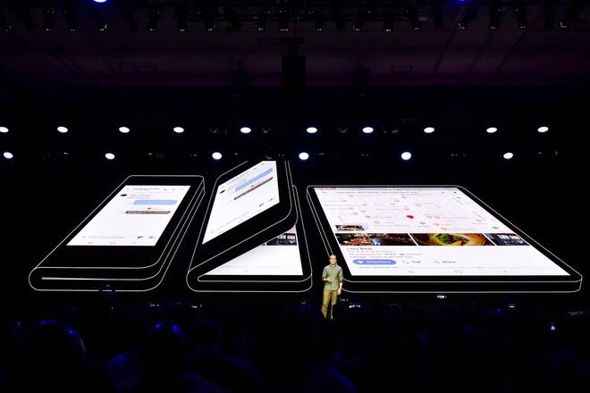 Smartphone cua Samsung nam 2019 se khac xa iPhone va cac doi thu hinh anh