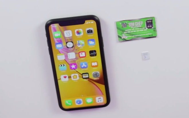 iPhone XR khoa mang ve VN - gia cao, it nguoi quan tam hinh anh