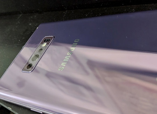 Galaxy S10 lo anh thuc te voi 3 camera sau hinh anh 1