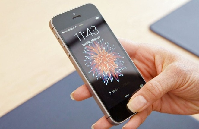 Khai tu iPhone SE la quyet dinh sai lam cua Apple hinh anh