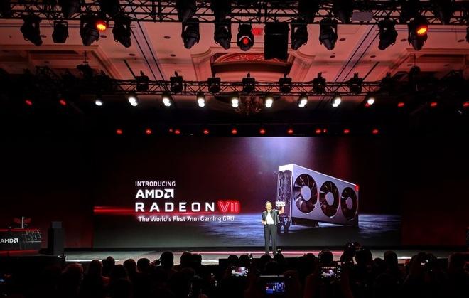 AMD ra mat Radeon VII, gia 700 USD, canh tranh RTX 2080 cua Nvidia hinh anh
