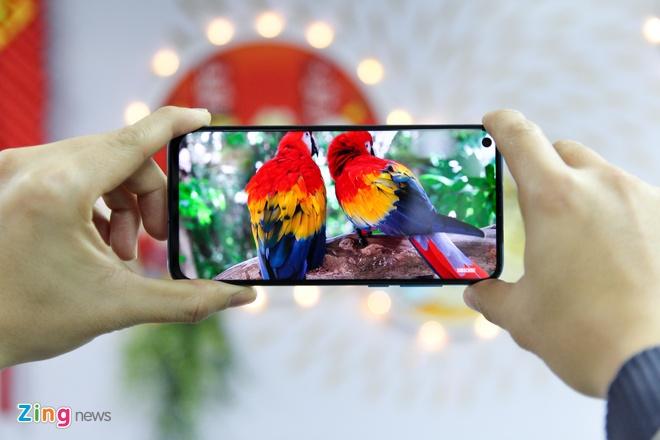 Trai nghiem Huawei Nova 4 - man hinh 'not ruoi', gia tu 450 USD hinh anh 4