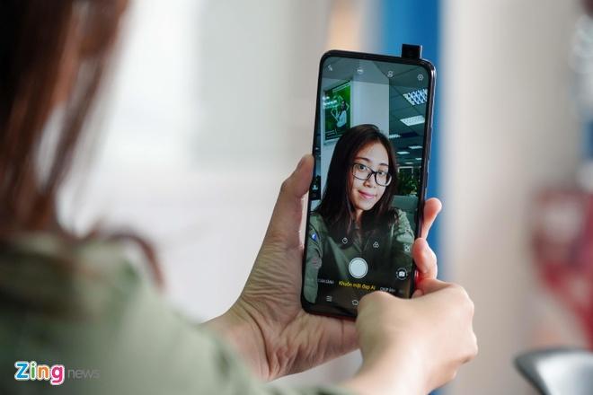Chi tiet Vivo V15 - camera selfie 'tang hinh', gia 8 trieu dong hinh anh 6