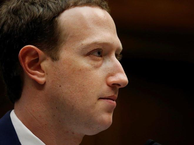 Mark Zuckerberg se khong the 'mot tay che ca bau troi' tai Facebook hinh anh 2