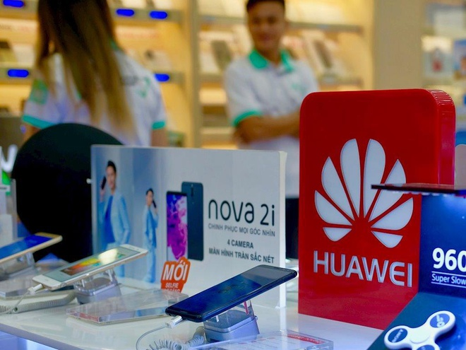Bi cam van o My, dien thoai Huawei mua it, ban nhieu tai Viet Nam hinh anh 1
