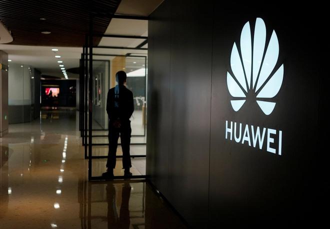 Huawei giam san luong anh 2