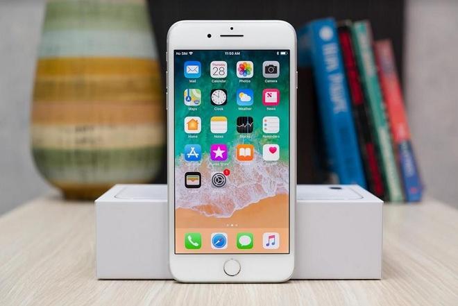 Nguoi dung iPhone 8 Plus cap nhat ngay iOS 12.3.2 de sua loi camera hinh anh 1