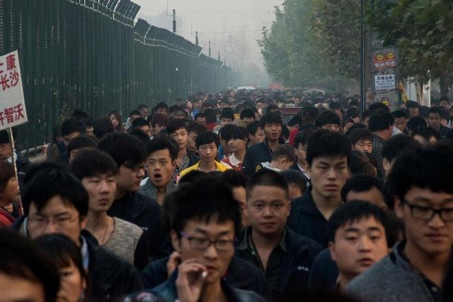 Sản xuất ở Trung Quốc, vì sao iPhone vẫn là 'hàng Mỹ'?