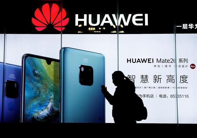 Thiet hai nang vi Huawei, Samsung lai duoc Apple cuu hinh anh 1