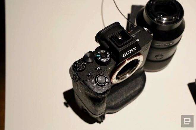 Sony A7R IV ra mat - cam bien 61 MP, gia 3.500 USD hinh anh 6