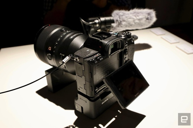 Sony A7R IV ra mat - cam bien 61 MP, gia 3.500 USD hinh anh 8