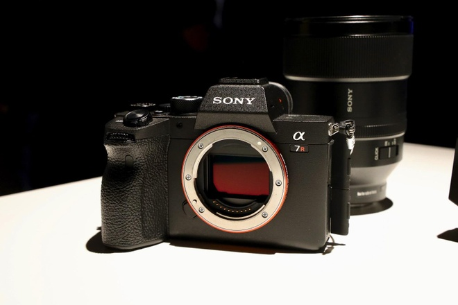 Sony A7R IV ra mat - cam bien 61 MP, gia 3.500 USD hinh anh 2