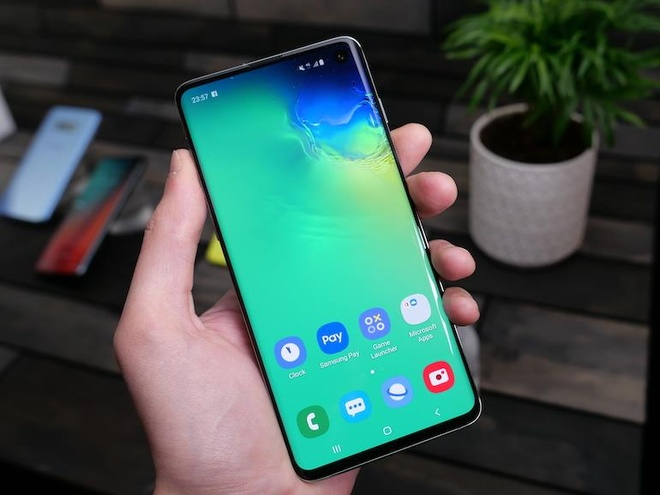 smartphone giam gia cuoi thang 8 anh 4
