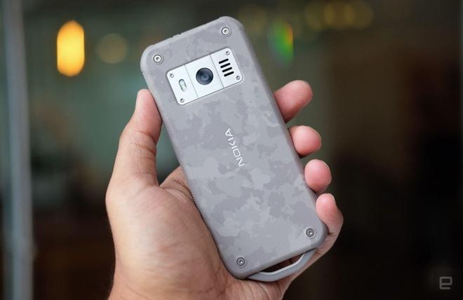 Chi tiet Nokia 800 Tough - 'cuc gach' sieu ben, pin cho ca thang hinh anh