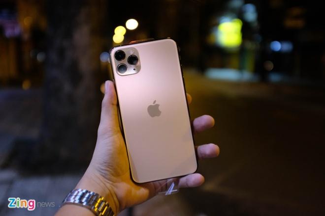Nguoi Viet chuong iPhone 11 gia cao hinh anh 1