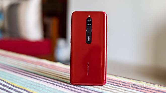 Xiaomi tung smartphone gia 110 USD, sac nhanh nhu iPhone 11 hinh anh 1
