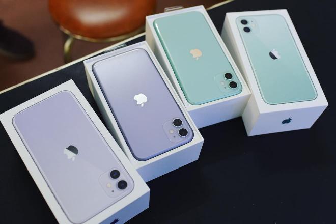 iPhone 11 cham day, gia 13 trieu co nen mua? hinh anh