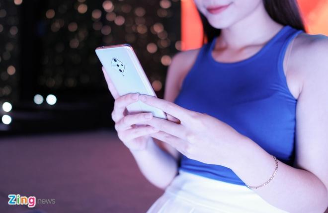 Galaxy Fold, Mi Note 10 va loat di dong ve Viet Nam dip cuoi nam hinh anh 6