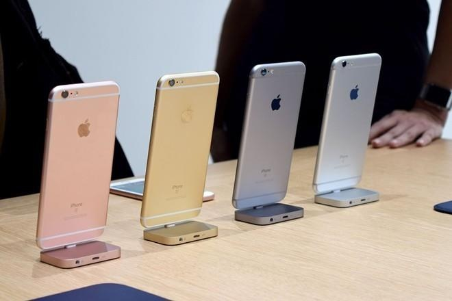 iPhone 6S, 6S Plus sap bien mat o Viet Nam hinh anh 1 iphone6shandson.jpg