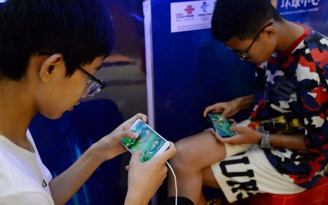 Nhiều chuyên gia nhận định các công ty game đang được hưởng lợi từ dịch corona. Ảnh: SCMP.