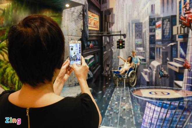 Hang tram buc tranh 3D khong lo cuon hut gioi tre Sai Gon hinh anh 12