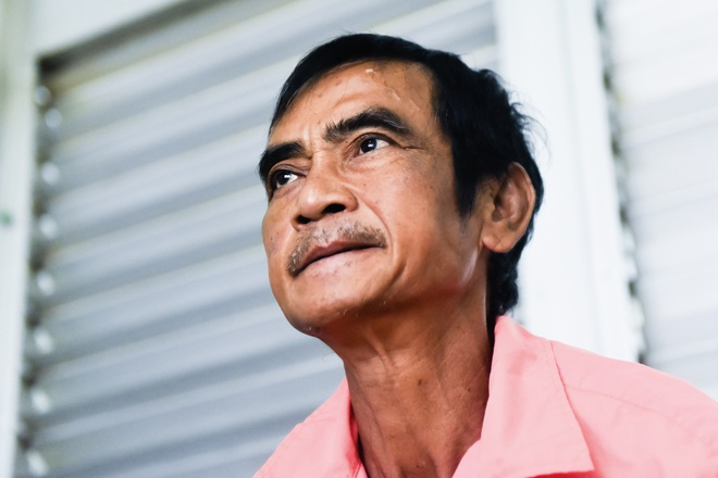 Ong Huynh Van Nen da hoi phuc va di lai sau tai nan hinh anh
