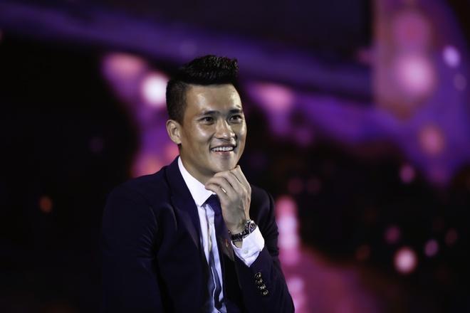 Ban tre Sai Gon gay nao dong tai tran chung ket Euro 2016 hinh anh 4