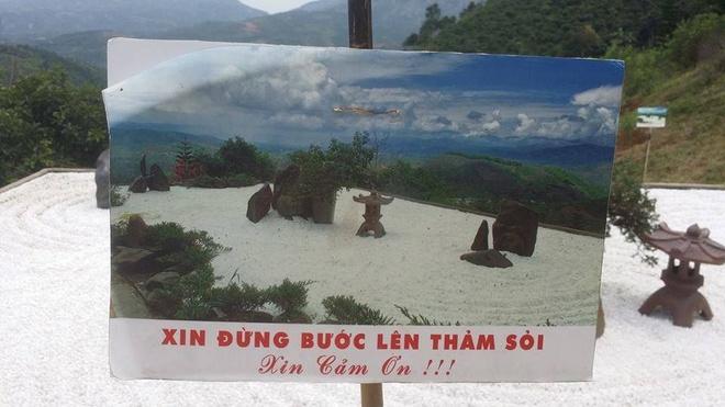Hinh anh xau xi cua ban tre o ngoi chua noi Son Tung quay MV hinh anh 9