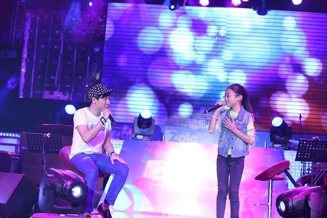 Clip Phuong My Chi - Tran Thanh song ca 'Ao moi Ca Mau' hinh anh