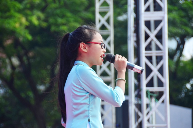 Phuong My Chi, Linh Lan cover hit cua Cam Ly - Phuong Uyen hinh anh 2