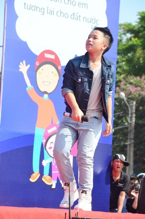Phuong My Chi, Linh Lan cover hit cua Cam Ly - Phuong Uyen hinh anh 8