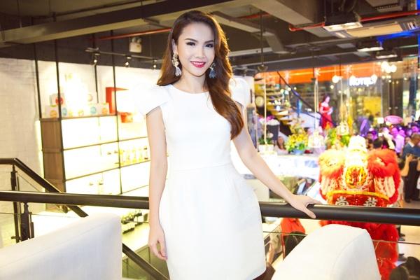 Yen Trang thay Ho Ngoc Ha ngoi 'ghe nong' cuoc thi nhay hinh anh 3