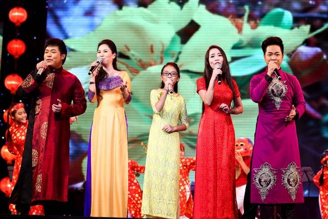Phuong My Chi song ca, tau hai voi ba nuoi Quang Le hinh anh 4