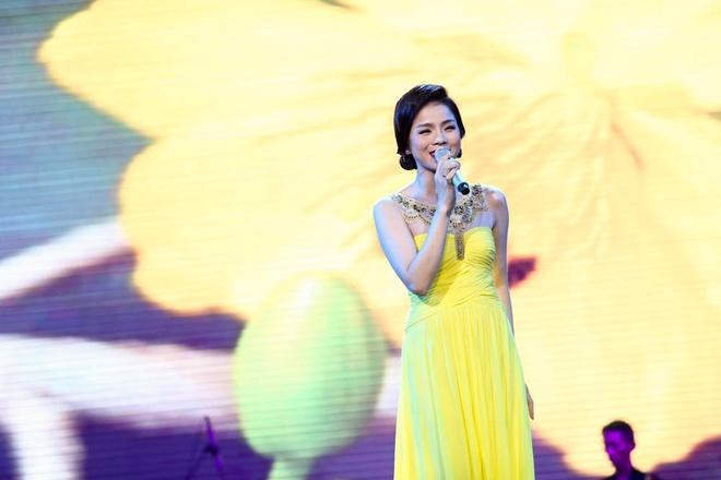 Phuong My Chi song ca, tau hai voi ba nuoi Quang Le hinh anh 8