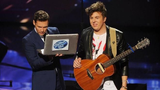 Niall Horan (1D) nhan tin co vu thi sinh American Idol hinh anh