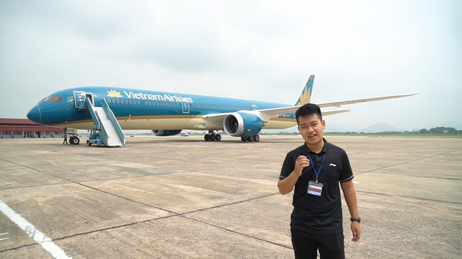 Trai nghiem nhanh Boeing 787-10 Dreamliner dau tien tai Viet Nam hinh anh