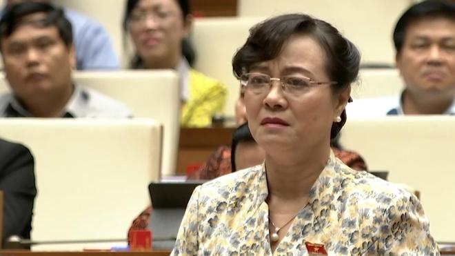 Dai bieu Nguyen Thi Quyet Tam khoc khi noi ve cuoc song cong nhan hinh anh