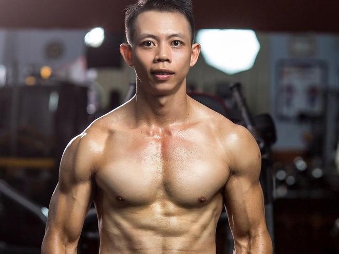 Hanh trinh thay doi voc dang cua chang trai tung nang gan 100 kg hinh anh