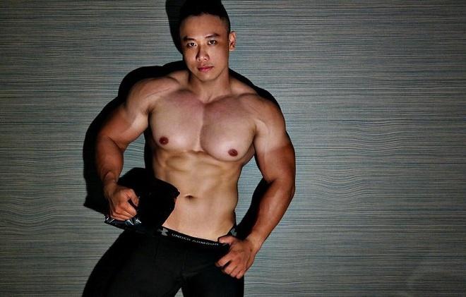 Chang trai nang 105 kg van so huu co bung 6 mui hinh anh 2