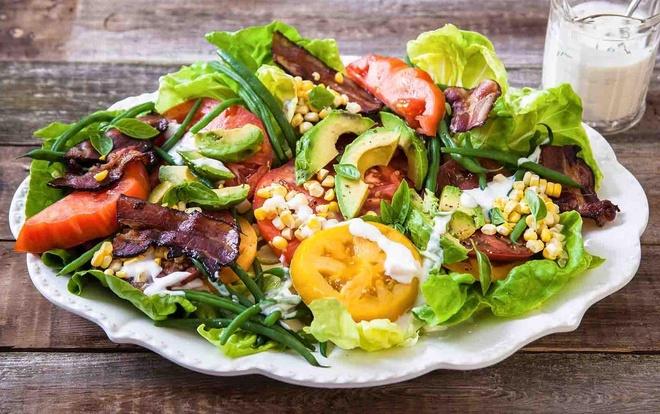 4 ly do ban an salad nhung van beo hinh anh