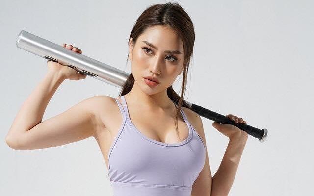 6 bai tap cho co nang 'luc luong' phan than tren cua HLV nong bong hinh anh