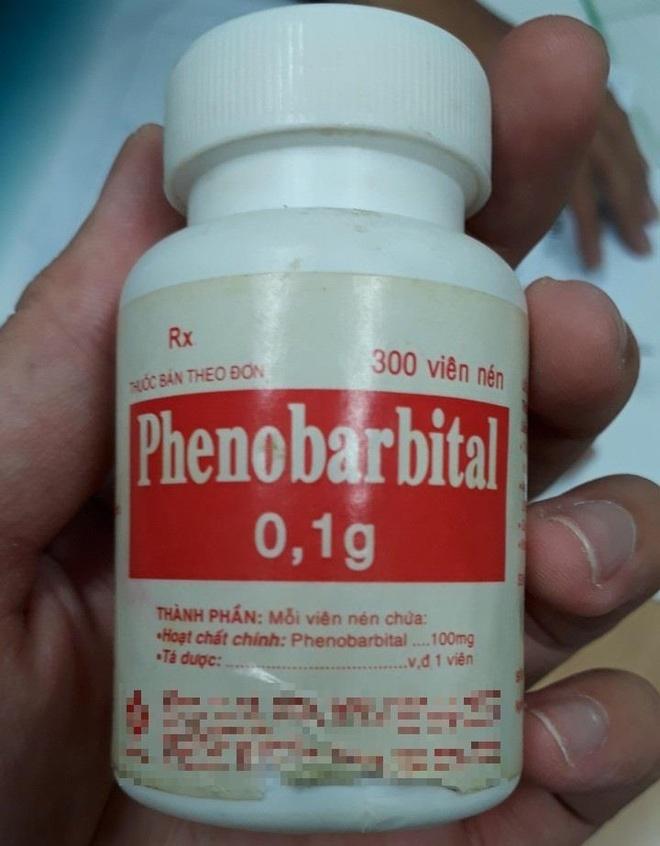Người đàn ông suýt chết sau khi uống 40 viên phenobarbital